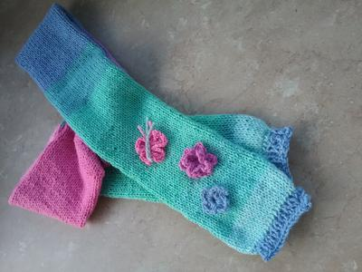 Child's s scarf with appliques
